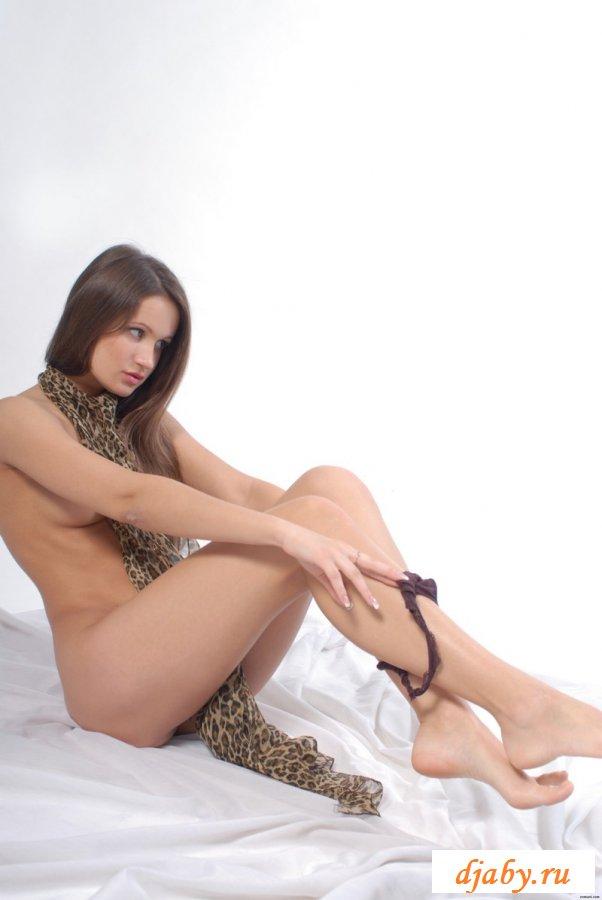Сексапильная красотка на фотосессии