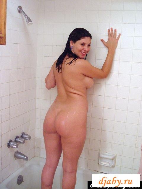 erotika-zrelie-pishnie-tolko-foto-v-dushe-pokazivaet-pizdu-foto