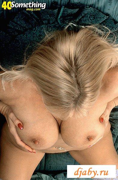 Мамаша с большими сиськами (8 фото)