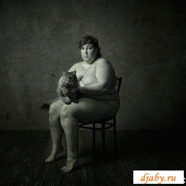 Невзрачные толстозадые голые суки