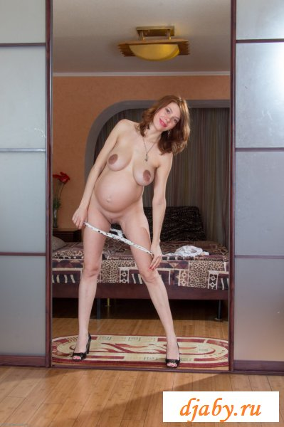 Непокорная эротичная жена с громадными сосками (8 фото эротика)