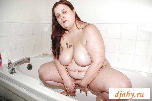 Объемные голые самки в соку (8 фото эротика)