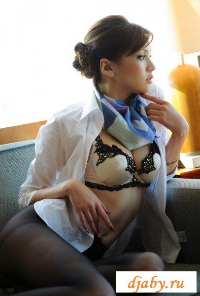 Японка эротично порвала колготки на попе (8 фото эротика)