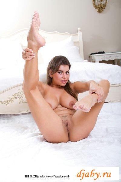 Уникальные эротичные груди и спортивное тело