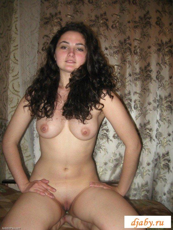 Фото голых армянок дома, большой хуй и волосатая пизда азиаток