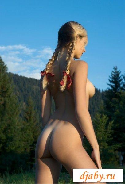 Блондинка с прекраснейшими сиськами