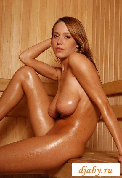 Сексуальные прелести голые в бане