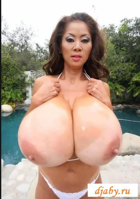Большие груди невероятных красавиц (30 фото эротики)