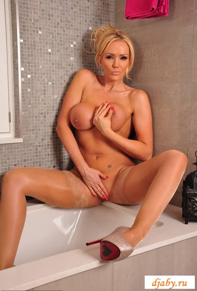 Эротика взрослой женщины в ванной (15 фото)