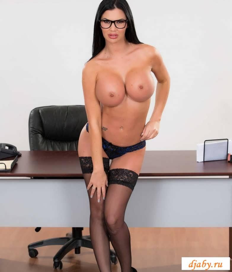 фотографии с голыми секретаршами