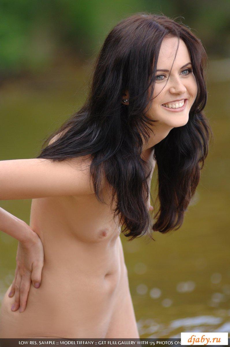 Красивая обнаженка от сексуальной девочки