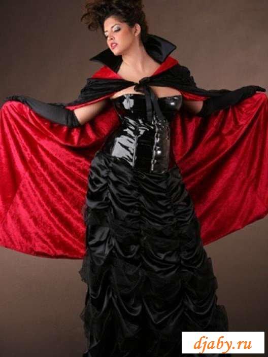 Эротика пышных девчат в широких поясах (30 фото)