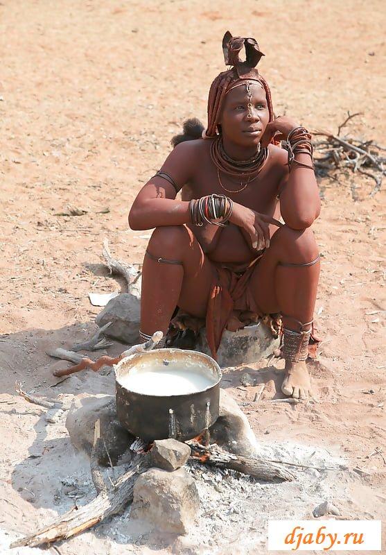 Голые сиськи в племенах диких африканок
