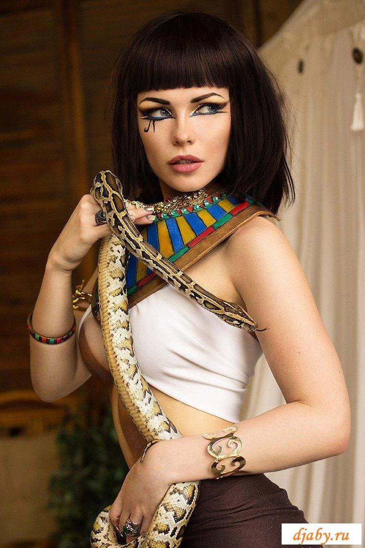 Обнаженные женские прелести египетских девушек (22 фото)