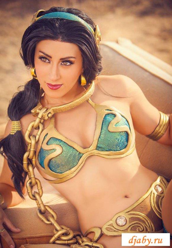 Голые египтянки с соблазнительными попками (26 фото)