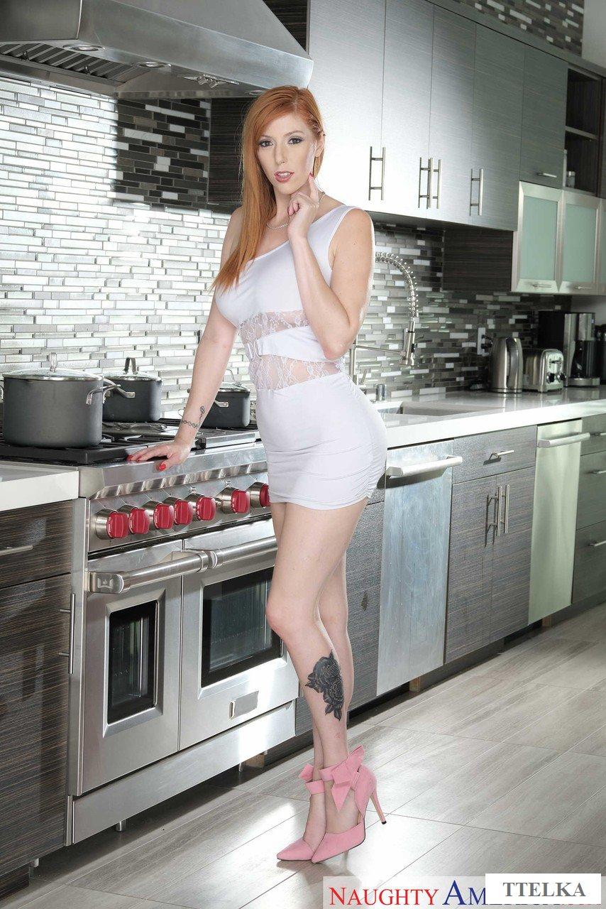 Девушка На Кухне Эротика